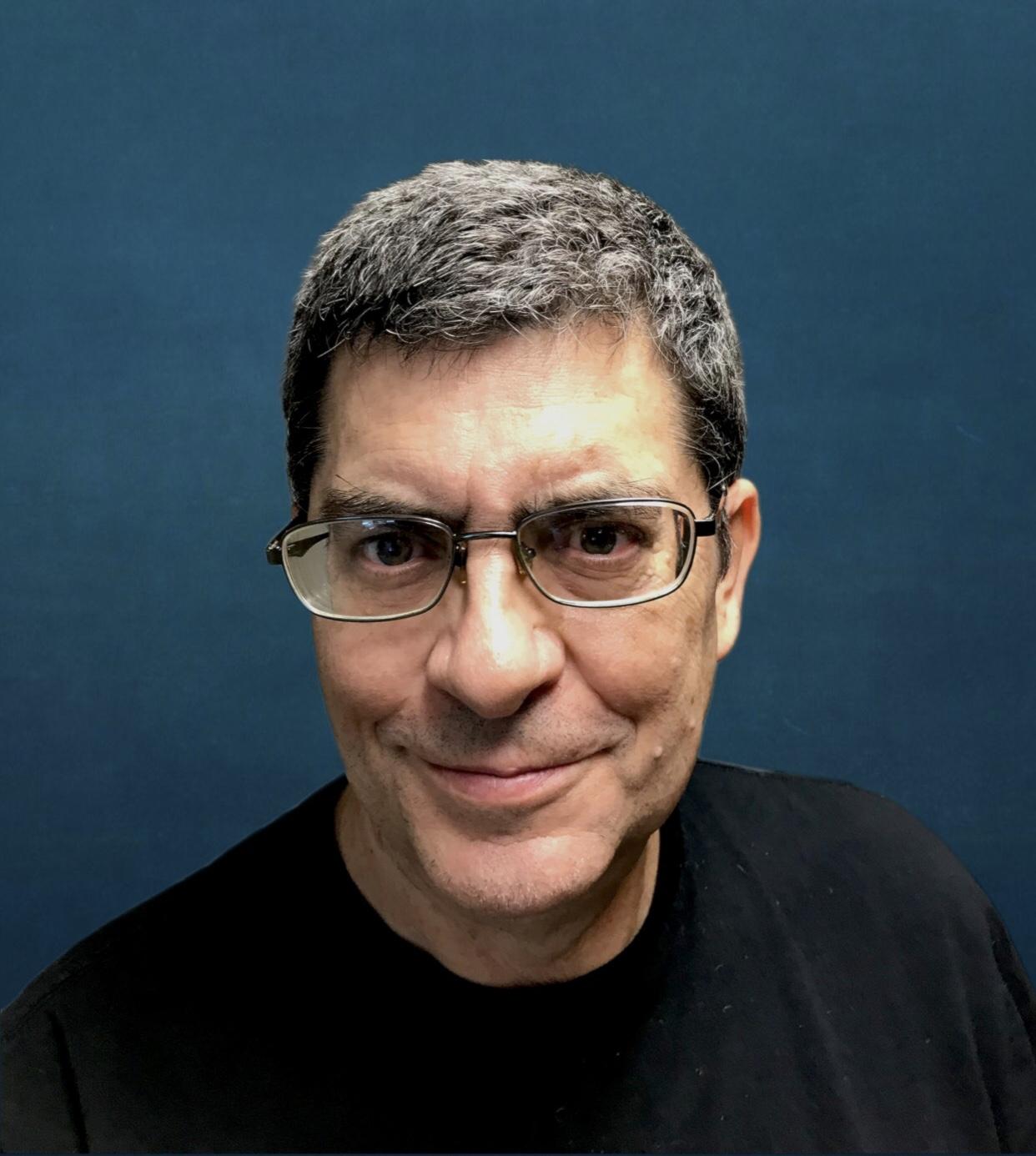 Dr.Craig Headshot